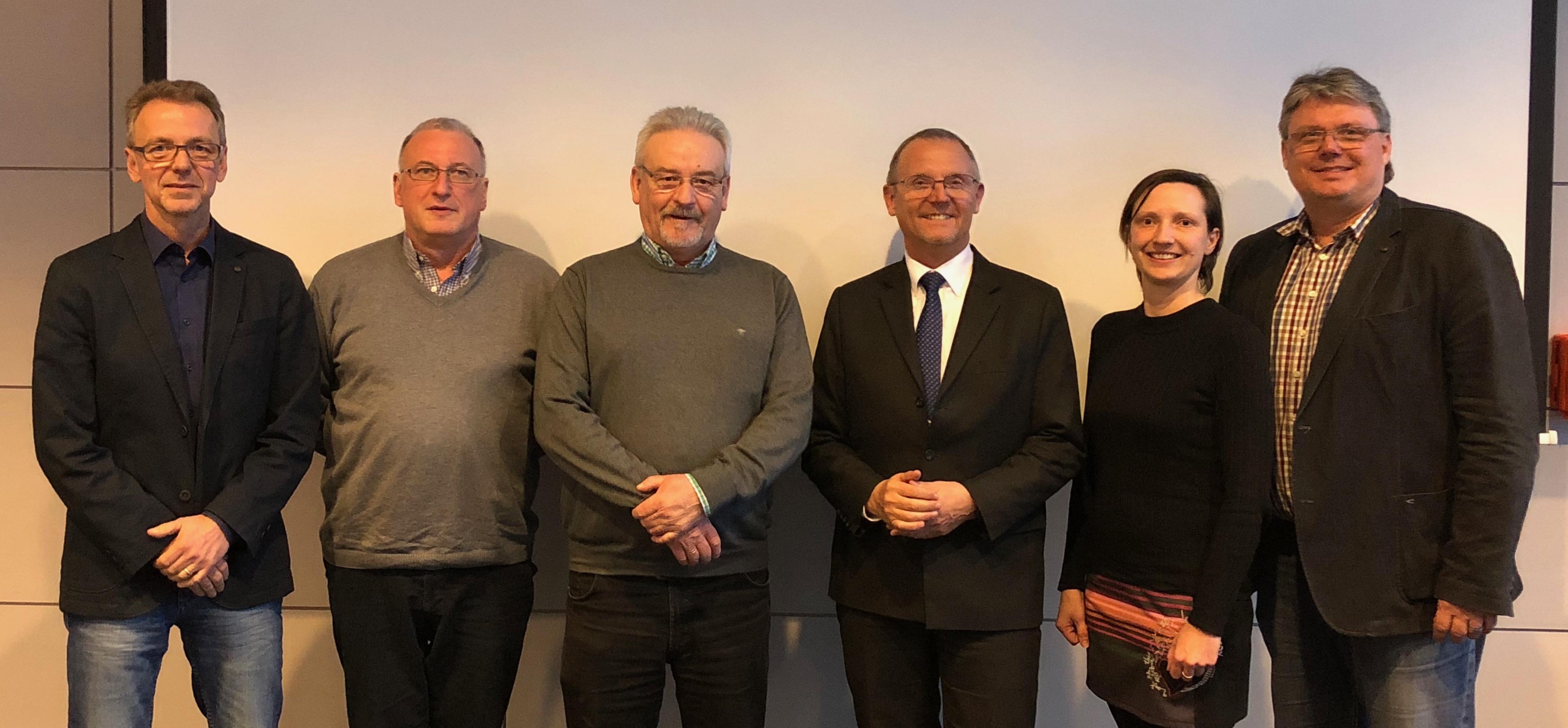 Vorstand: Dr. Götting, Bernd Heinze, Volker Dowidat, Uwe Lührig, Nicole Schwarzer und Mathias Schröder