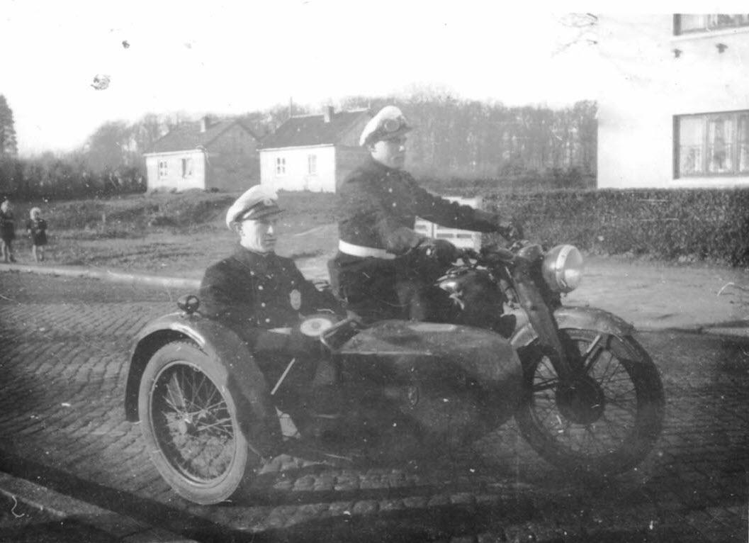 Verkehrsüberwachung Ende der 40er Jahre. Heinrich Schmalriede als Fahrer des Krades
