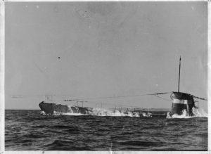 U11 beim Auftauchen 1942