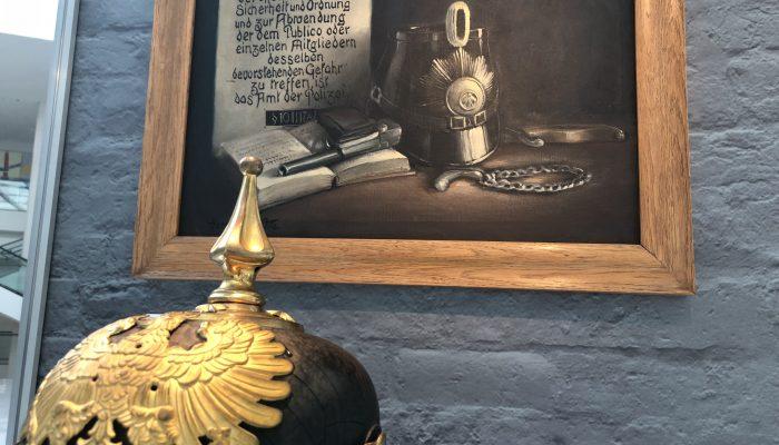 Weimar Helm und Stillleben